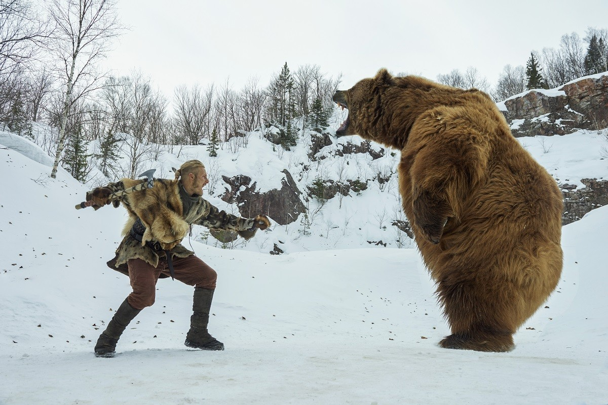 Bjorn-Alexander-Ludwig-has-a-Revenant-moment-cr_-Steve-Wilkie-1200x800